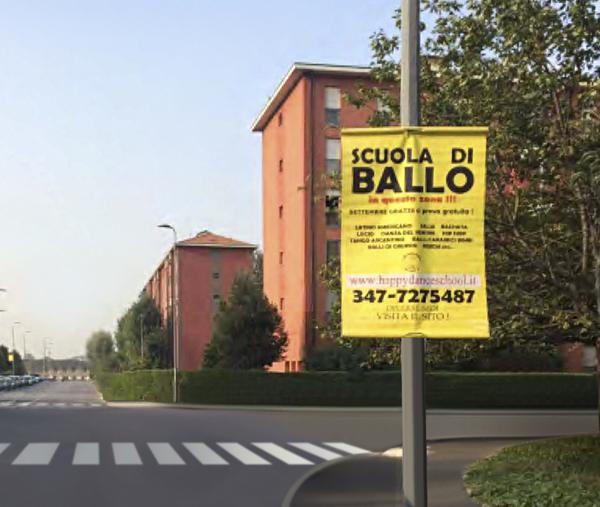 gonfaloni pubblicitari stradali
